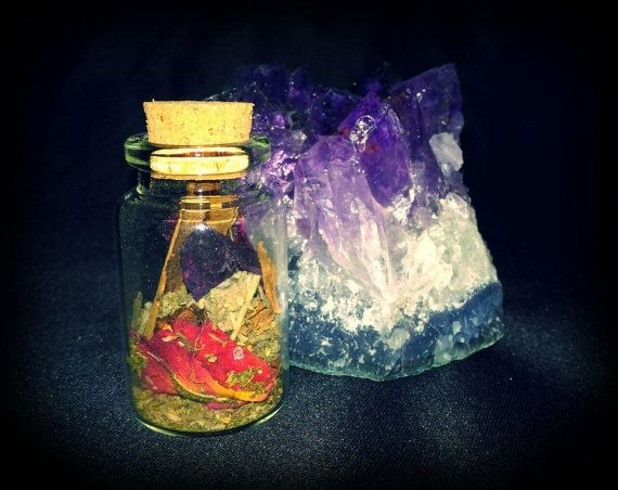 Home protection spell  https://www.etsy.com/it/listing/468373456/home-protection-bottle
