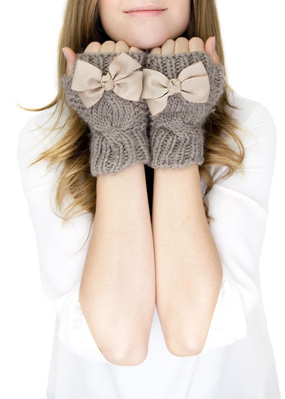 CHUNKY TAUPE KNIT mittens fingerless knit gloves by gertiebaxter, $32.50