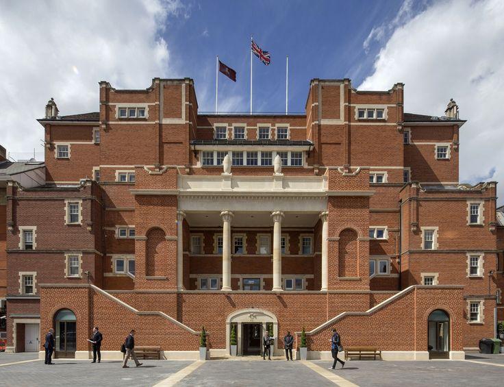 Robert Adam wins £160,000 classical architecture award