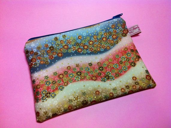 Cosmetic bag with Japanese flowers