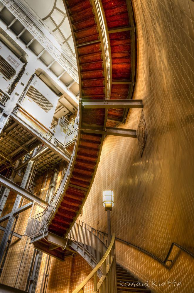 Das Treppenhaus im Alten Elbtunnel / Hamburg