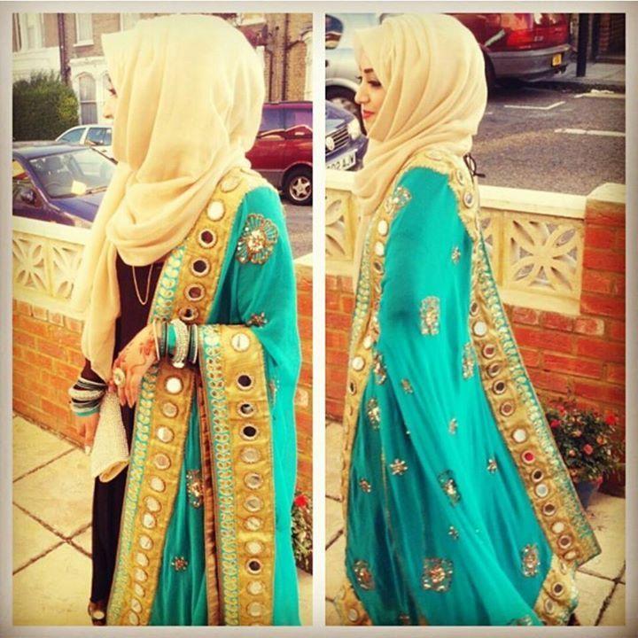 #hijab  // She looks like a princess.