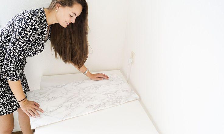 Als je foto's maakt van producten heb je vaak een mooi achtergrondje nodig.Helaas heeft niet iedereeneen mooie marmeren tafel of houten plank in de buurt om te gebruiken als achtergrond. Ik heb daar gelukkig een hele makkelijke oplossing voor! Mooie achtergronden Ik hoef je niet uit te leggen waarom mooie achtergronden (of ondergronden) belangrijk zijn voor je