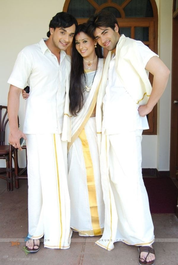 Alekh, Sadhna and Ranvir looking like a kerala people