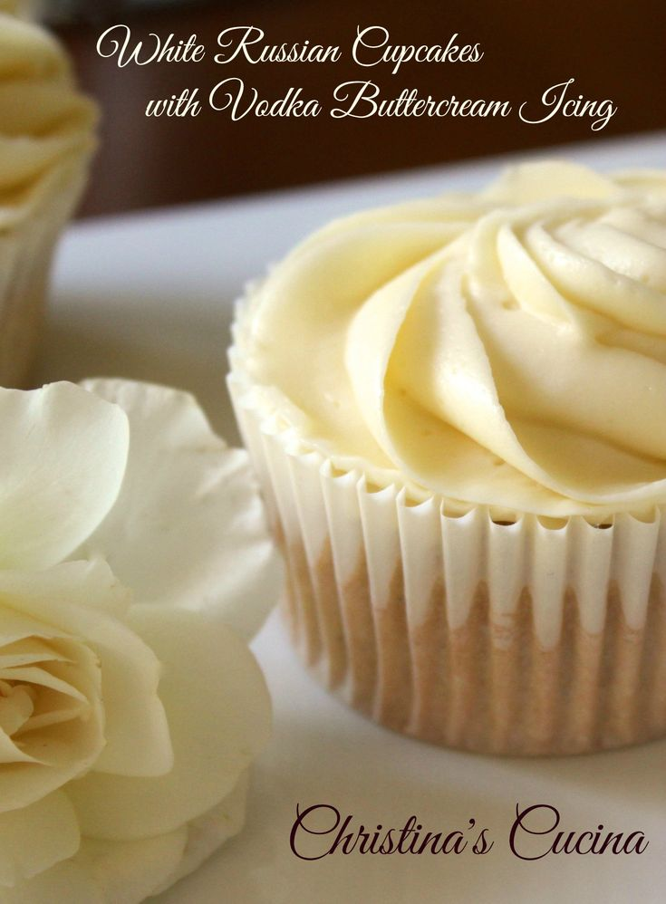 """White Russian Cupcakes - A Sweet treat to discuss """"Girl on the Train"""" at book club!"""