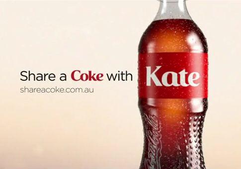 Coca-Cola muda o nome impresso na sua garrafa