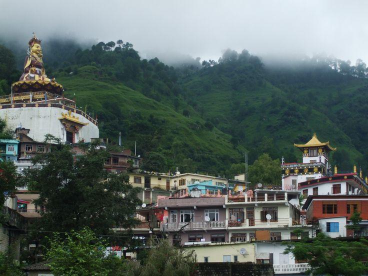 Statue of Guru Padmasambhava and Zigar monastery, Rewalsar. HP, India.