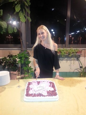 Nel nuovo giardino d'inverno Arabella Martorana Genuardi spegne 28 candeline