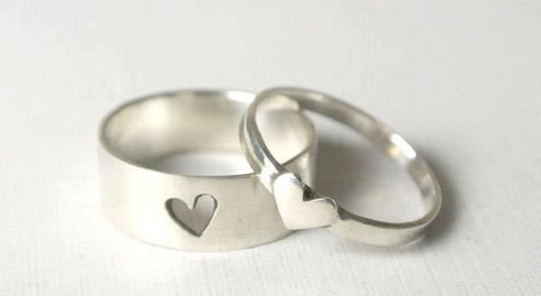 lovely idea for friendship rings! Forever and always should be engraved in them