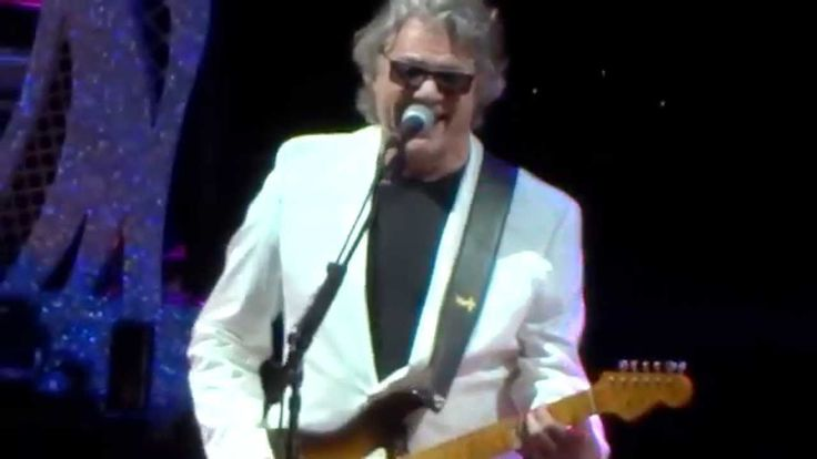 Steve Miller Band - Space Cowboy / Living In The USA on 2014 Tour (+play...