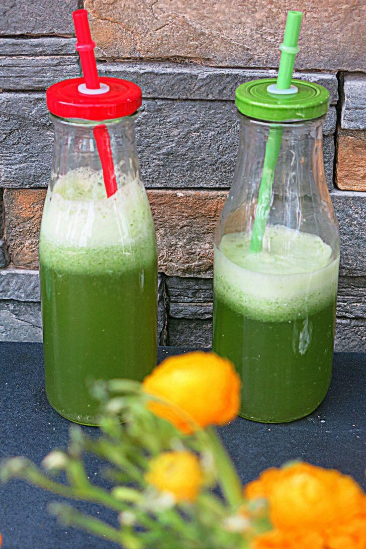 Orzeźwiający i oczyszczający napój z zielonej pietruszki i cytryny   Chilifiga.pl