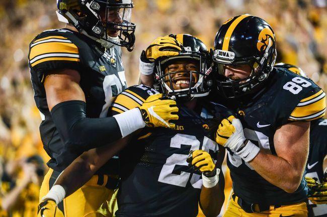 Iowa vs. Illinois - 10/7/17 College Football Pick, Odds, and Prediction