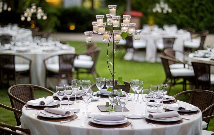 Сервировка праздничного стола (95 фото): порадуйте своих гостей! http://happymodern.ru/servirovka-prazdnichnogo-stola-foto/ 3108_20111114070311483