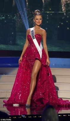 Diana Harkusha, Miss Universe Ukraine 2014, sparkly red evening dress with slit (2014 Miss Universe Pageant Evening Gown Competition)