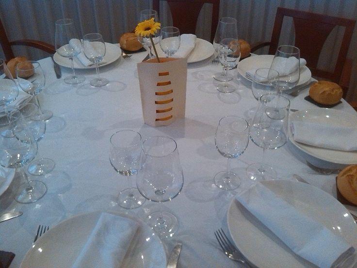 Restaurante Antonio Zaragoza A comer estamos completos!!! Si no sabes donde cenar esta noche??? Aún nos quedan un par de mesas..... Reservas 976397474 