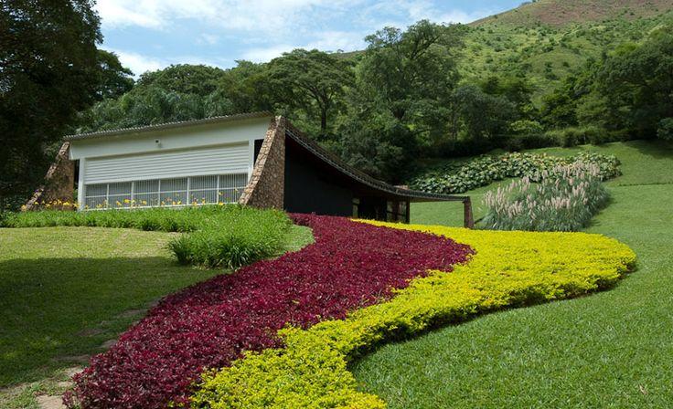 Originally the Edmundo Cavenellas Residence, now called Gilberto Strunk Residence. Architect: Oscar Niemeyer, landscape by Roberto Burle Marx. Petropolis, Brazil