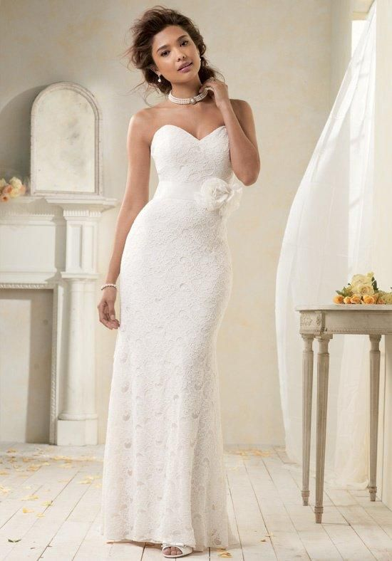 Strapless all over lace gown with a sweetheart neckline and soft stretch lining | Modern Vintage by Alfred Angelo | https://www.theknot.com/fashion/8521-modern-vintage-by-alfred-angelo-wedding-dress