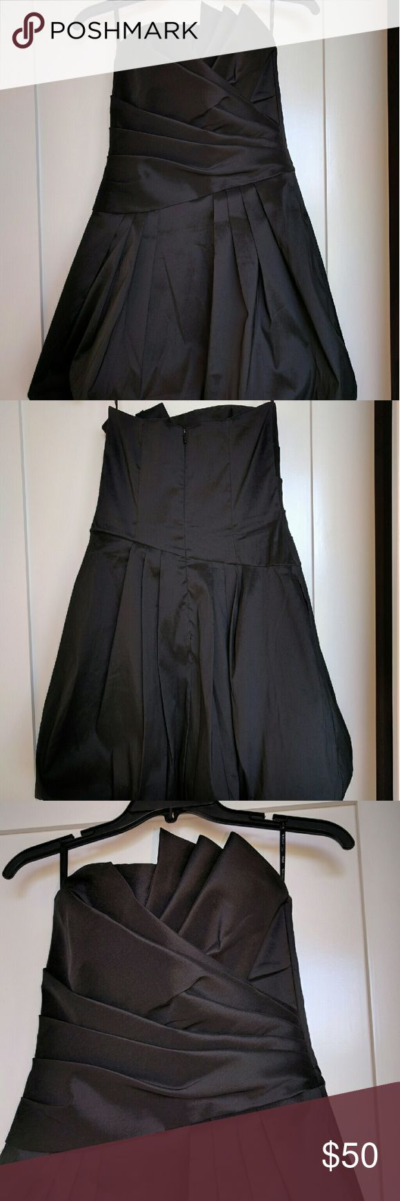 Jessica McClintock Balloon Hem Cocktail Dress Balloon Hem Strapless Black Cocktail dress with architectural folds top. Size 4. Jessica McClintock Dresses Strapless