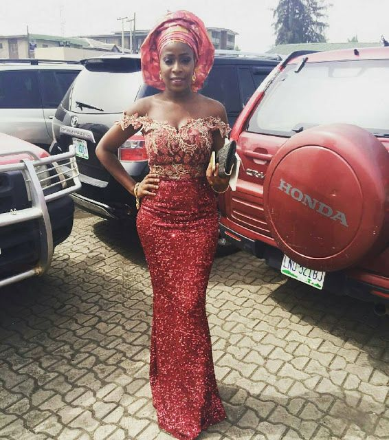 Check Out This Aso-Ebi Style - http://www.dezangozone.com/2015/12/check-out-this-aso-ebi-style.html DeZango Fashion Zone