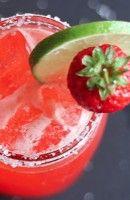 Recette Cocktail Strawberry Beer Margarita. Utilisez de la préférence de la bière blonde.