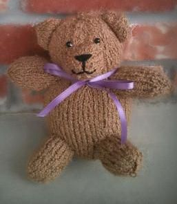 Cashew Teddy Bear:  #knit #knitting #free #pattern #freepattern #freeknittingpattern #freeTeddyBearknittingpattern