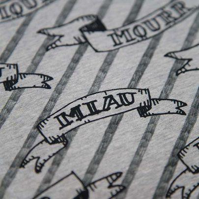 Digiprintti: Miau & Mourr -jersey, harmaameleerattu / Digital print: Miau & Mourr on grey melange base www.kapynen.com