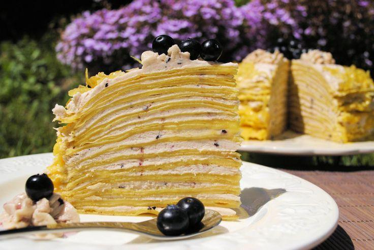 Tarta de crepes rellena de lemon curd y suisse meringue buttercream de arándanos http://unpedacitodecielocr.blogspot.com.es/