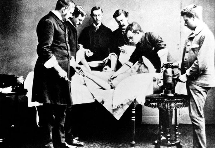 Lister's antiseptic operating technique,1883