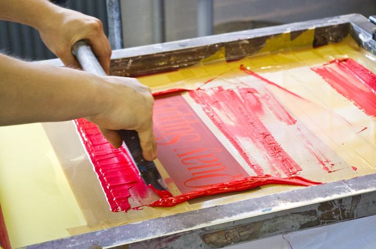 There are many secrets to screen printing that if beginner's knew, they'd become experts quickly (and not make as many mistakes). Read many of these tips now and get started with your screen printing!