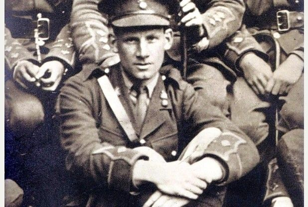 how to die siegfried sassoon publication date