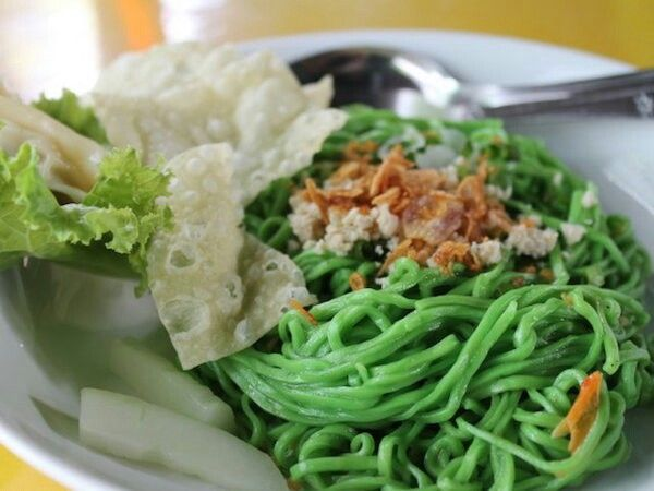 Spinach Noodle (Mie Bayam)