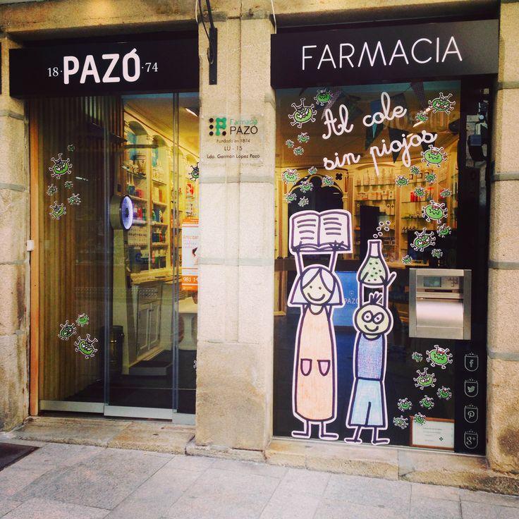 Escaparate Al cole sin piojos!! en farmacia Pazó. Monforte de Lemos. Lugo. Por Celtia Díaz