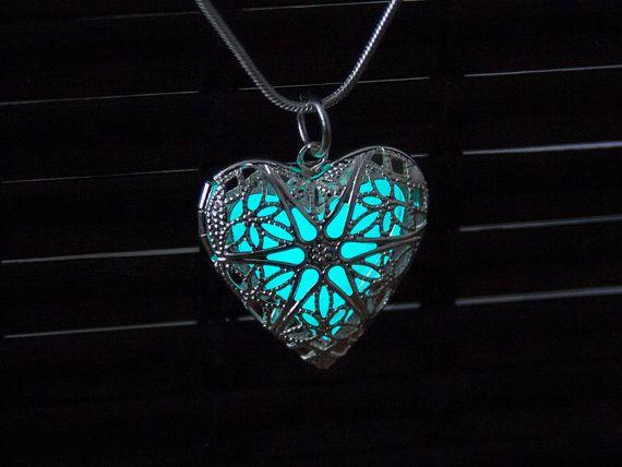 Glow in the Dark Necklace Aqua Heart Glowing by MadamIris