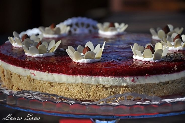 Tort Martisor cu mascarpone si ciocolata alba