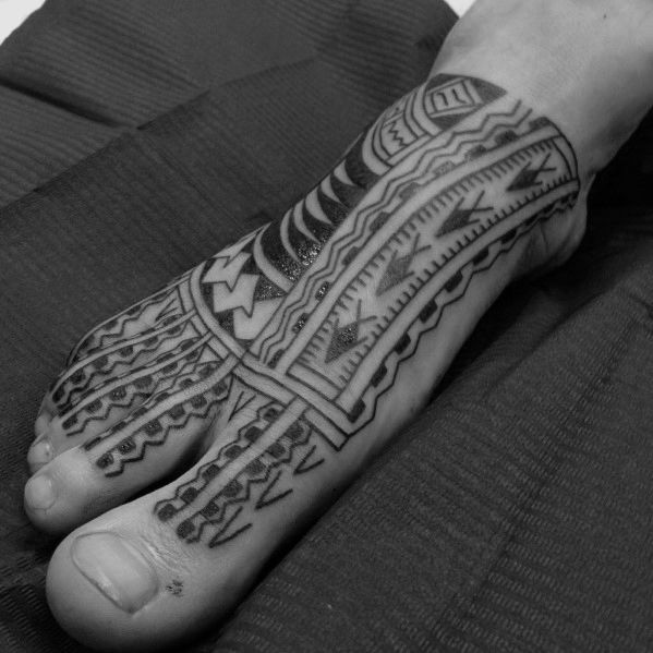 40 Tribal Foot Tattoos Fur Manner Manly Design Ideen Manner Stil