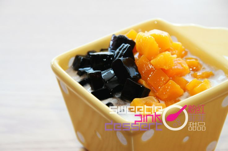 #Coconut Grass Jelly w/ #Mango  #芒果涼粉