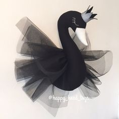 Black Swan. Faux taxidermy, wall mounted swan bust. Worldwide shipping…