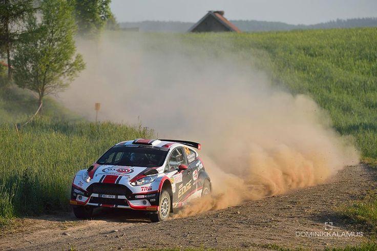 Fiesta R5 Motointegrator Team na trasie odcinka specjalnego Rajdu Polski