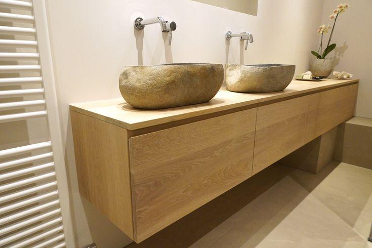 Massief eiken badkamermeubel in elke maat en 9 kleuren bij Van Beek Badkamers. Uw sanitair specialist in de regio Amersfoort, Nijkerk en Harderwijk.