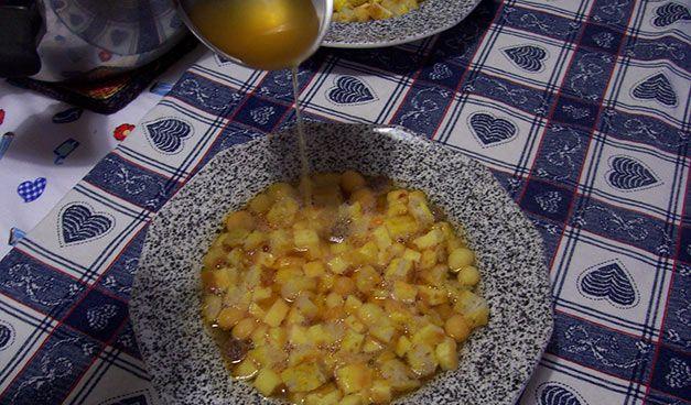 Una delle ricette di Natale che non manca mai sulle tavole molisane, è la zuppa alla santè. Un piatto della tradizione: per voi la ricetta.