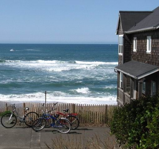 Pacific City Beach House Rentals: Bella Beach Vacation Homes, Oregon Coast Vacation Rentals