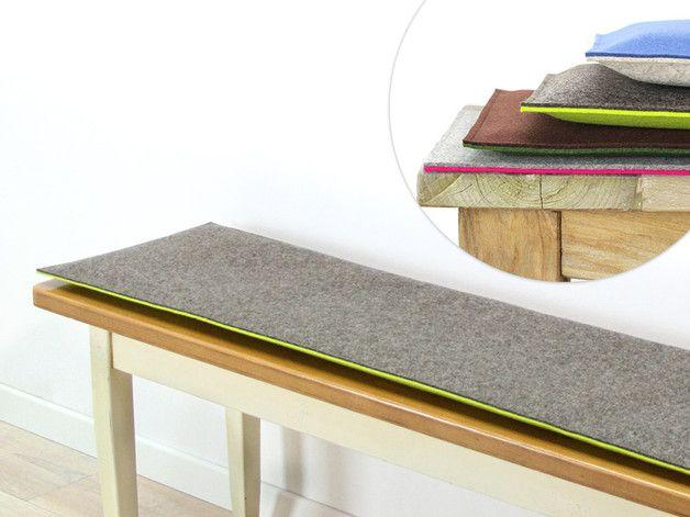 Individuelle Bankauflage gefertigt aus reinem 2 x 3mm Wollfilz mit oder ohne Polsterung.  Die Bankauflage gibt es ohne oder mit 1, 2 oder 3 cm Polsterung.   Die Bankauflage fertigen wir nach...