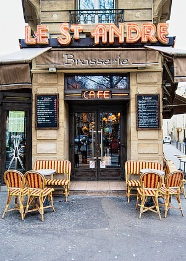 Anyone want to meet here for coffee :-) Le St. André Brasserie - restaurants Paris, France via www.MyFamilyTravels.com