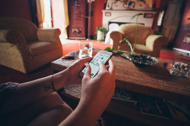 iPhone 6 In Hands - http://www.splitshire.com/iphone-6-hands/