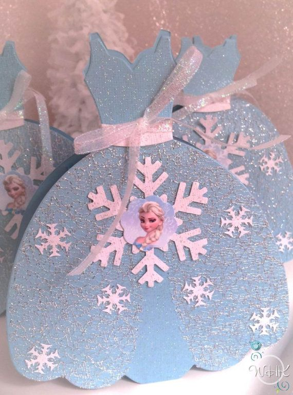 Disney's Frozen Inspired Party Dress Favor Box por WillowHillKids