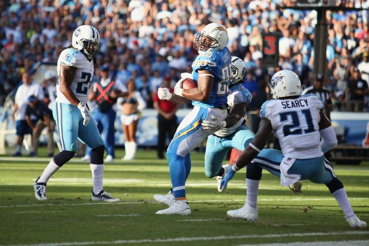 Antonio Gates hauls in this pass from quarterback Philip Rivers against the Tennessee Titans. Photo by William Johnson/News4usonline.com