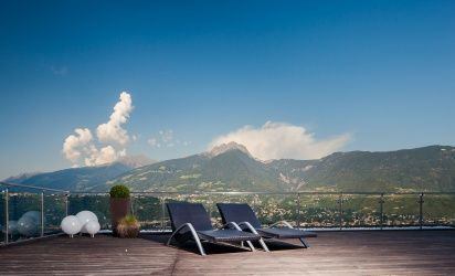 Enjoy a fantastic view of Merano and the surrounding mountains
