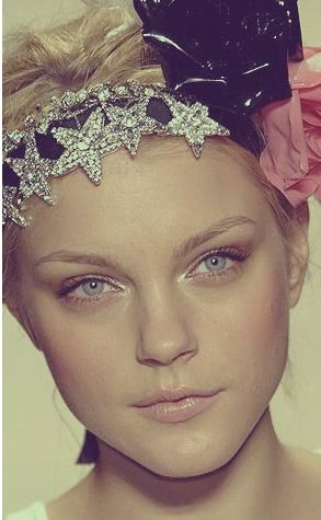 Jessica Stam, star crown with flowers #citychicwedding