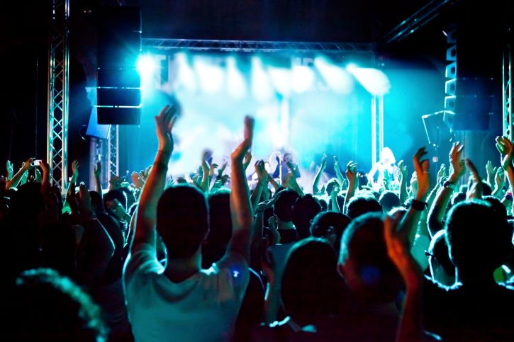 http://www.kelownacondos.ca/blog/kelowna-summer-festivals-acts-and-bands-of-every-genre-for-your-enjoyment.html