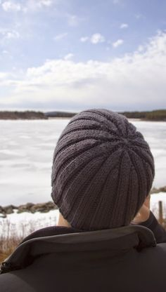 Great ribbed hat pattern for men! | Stephanie Likes to Knit: Keeping Boyfriend's Ears Warm Since 2006